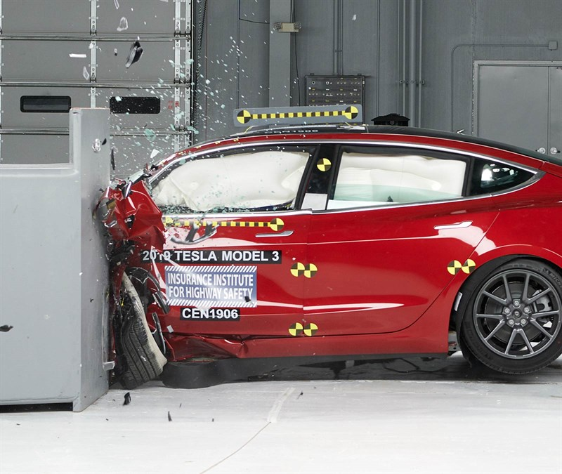 Tesla Model 3 IIHS crash test