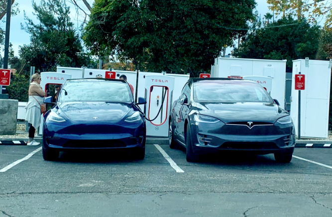Tesla Model Y next to Model X