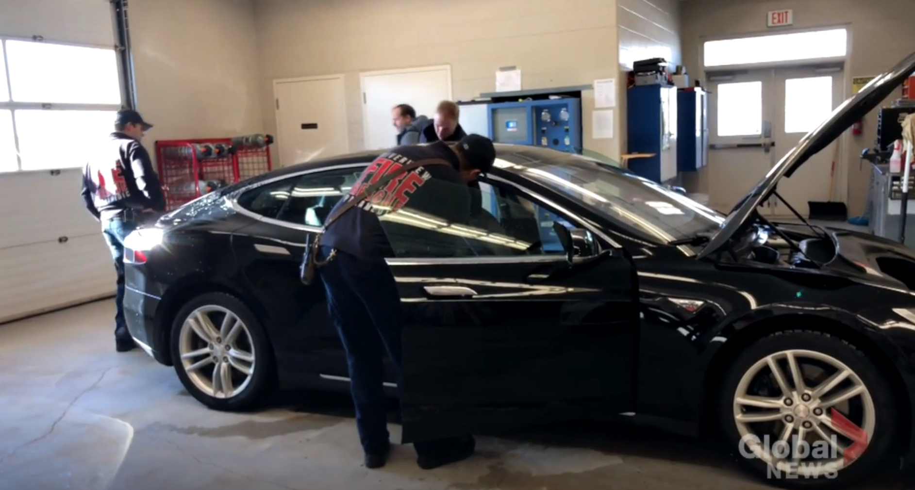 Tesla Model S firefighter training