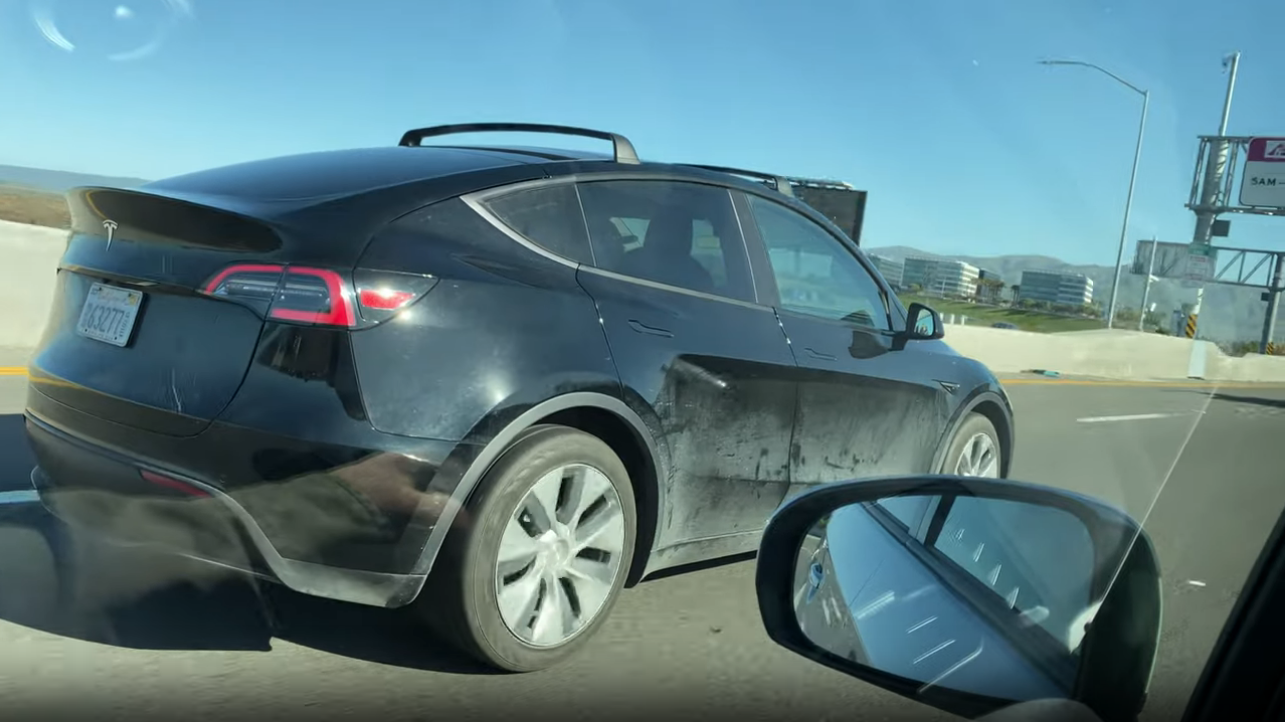 Tesla Model Y spotted with roof racks