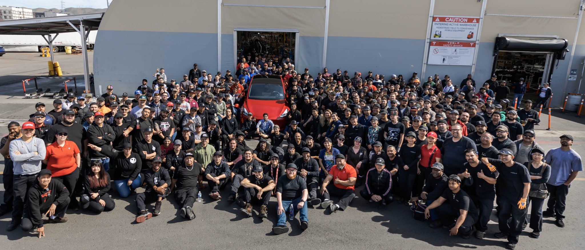 Tesla 1000000 vehicle crew