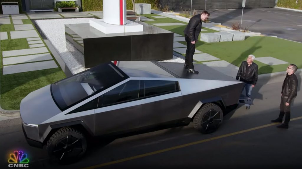 Here's the full Tesla and Cybertruck segment from Jay Leno ...