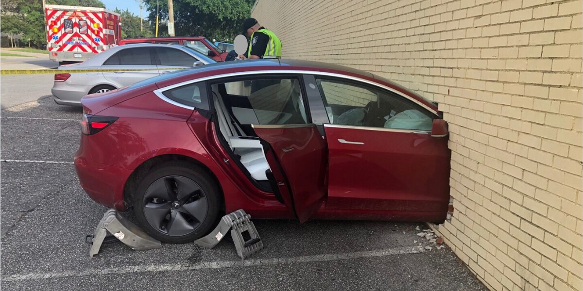 Tesla Model 3 into brick wall