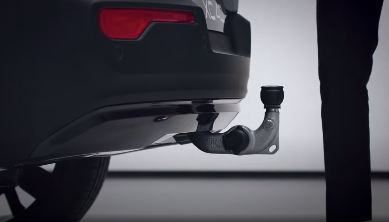 Volvo XC40 recharge tow hitch