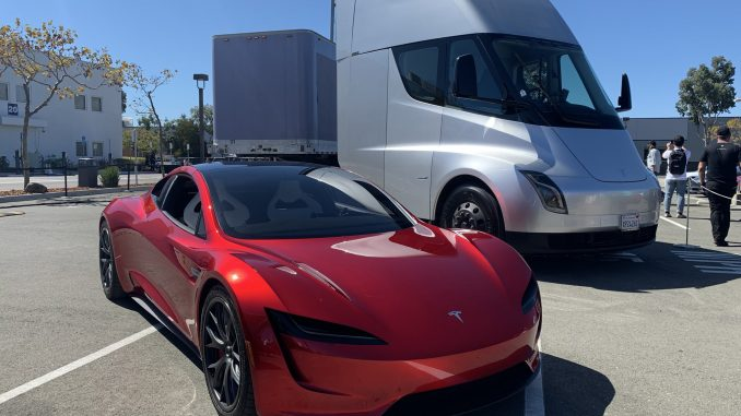 Tesla Semi and Roadster SV