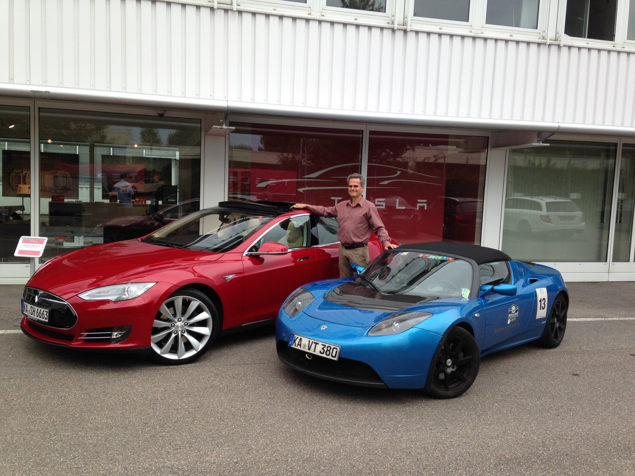 Tesla Model S owner sets new high mileage record - Drive Tesla Canada